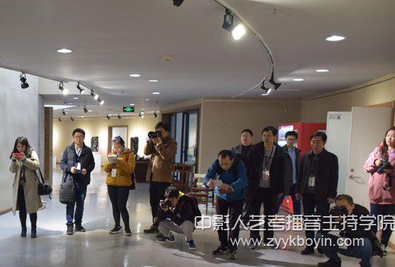 山艺向社会媒体公开美术类专业2018年招生考试阅卷情况.jpg