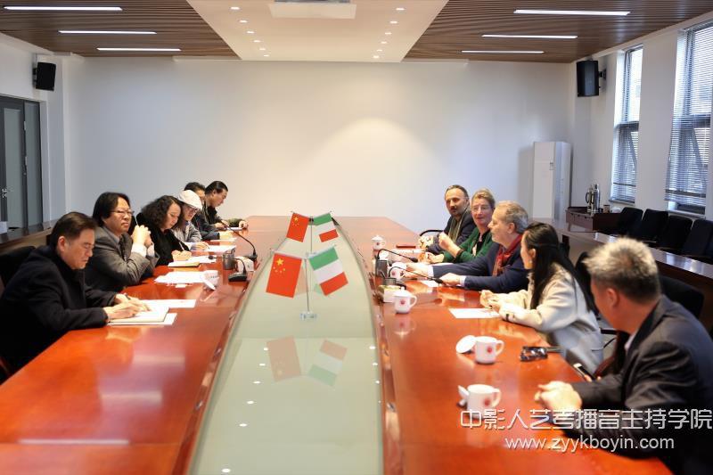 意大利佛罗伦萨美术学院院长克劳迪奥.罗卡访问山东艺术学院