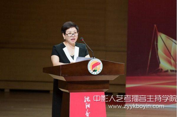 刘宏伟教授代表全体教师发言.jpg